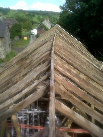 Oak Cruck truss repair and alteration and oak roof repairs
